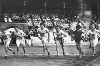 Starten på 1500-metersloppet i OS i Stockholm 1912. Det armeniska tidningsbudet Vahram Papazian deltog i loppet för sitt hemland Osmanska riket.