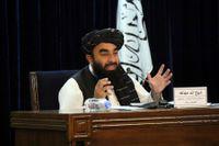 Talibanernas talesperson Zabihullah Mujahid under presskonferensen på tisdagen, då Afghanistans nya regering presenterades.