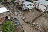 Räddningsarbetet fortsätter efter lördagens ras i japanska Atami. Bild från tisdag 6 juli.