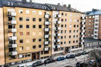 Stor förödelse efter sprängningen vid ett flerfamiljshus på Gyllenstiernsgatan på Östermalm natten till måndagen.