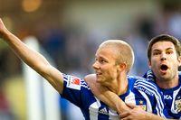 Robin Söder slog in 2-0 för blåvitt, Stefan Selakovic som  gjorde 1-0 jublar också.