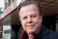 """Krister Henriksson intervjuades i SvD Scenvår 2015 inför arbetet med sin drömroll på Göteborgs stadsteater, där han hade premiär på sin första uppsättning för barnpublik. Då var han 68 år. Nu flyger han in på Dramaten, där även den hyllade långkörar-monologen """"Doktor Glas"""" återkommer i höst."""
