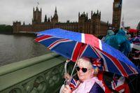 House of Commons och Big Ben från Westminster Bridge i London.