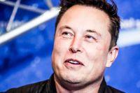 Elon Musk försökte sälja Tesla till Apple 2018.