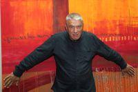 Den polske författaren Andrzej Stasiuk, född 1960 i Warszawa, är även verksam som journalist, poet och manusförfattare till filmer.