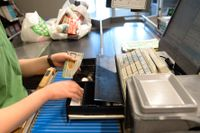 Nätverksstörningar slog ut kassorna i mängder av Coop-butiker på fredagen. Arkivbild.