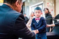 De nyrika kineserna kastar sina blickar – och pengar – mot den västliga överklassen. Det brittiska kungahuset är förebilden på landets första etikettskola: Prestige Education Consultancy.