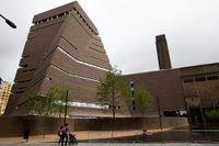 Switch House, ritat av arkitekterna Herzog & de Meuron, är en ny utbyggnad till det ursprungliga Tate Modern.