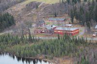 Den sjönära skolidyllen är till salu.