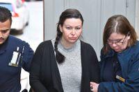 Johanna Möller på väg in till hovrättsförhandlingen.