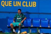 Lionel Messi under Barcelonas träningsmatch mot Girona i går.
