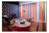 """Efter brexit-omröstningen skapade arkitektfirman OMA sitt """"Pan-European living room"""". Det alleuropeiska  vardagsrummet är inrett med möbler och design från alla 28 medlemsländer i EU."""
