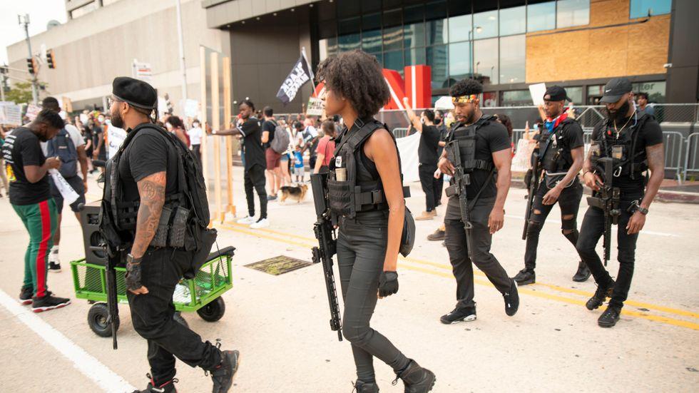 Beväpnade demonstranter i Atlanta, Georgia.