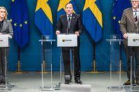 Socialminister Lena Hallengren (S), statsminister Stefan Löfven (S), och miljö- och klimatminister samt Folkhälsomyndighetens generaldirektör Johan Carlson.