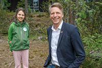 Juniorreporter Leo träffade Per Bolund (MP) vid Artipelag i Stockholms skärgård.