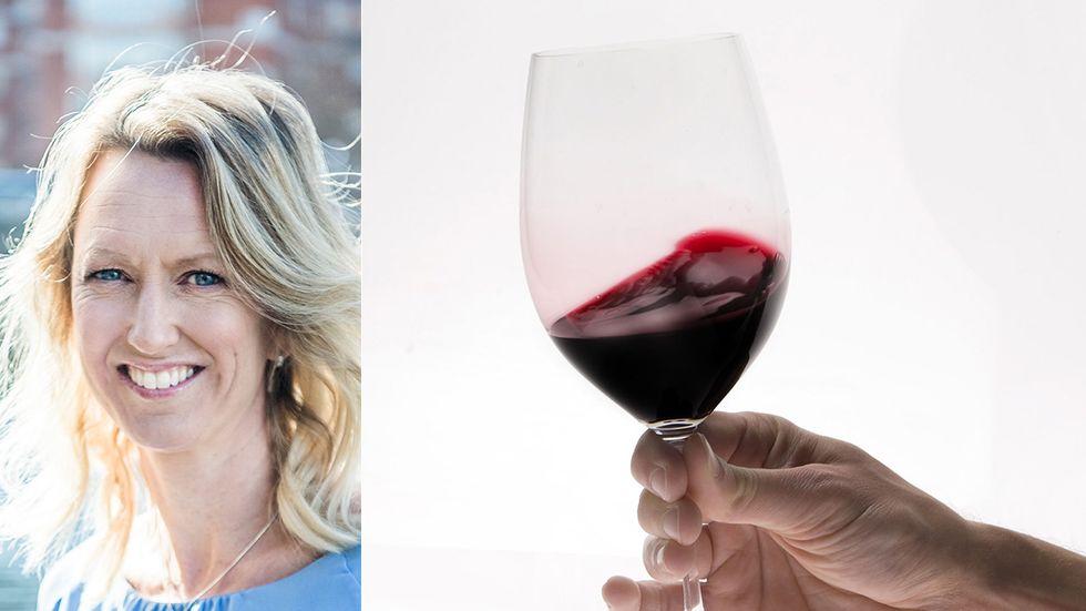 """Alkohol innehåller mycket energi, 7 kcal per gram, i form av så kallade tomma kalorier – ren energi, ingen näring. Av samma anledning som sockerintaget bör begränsas så bör också alkoholintaget begränsas. """"Alkohol är ett av våra största hälsoproblem"""", säger Linda Bakkman."""