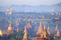 Den övergivna staden Pagan i Myanmar.