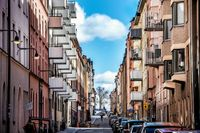 Tarifferna för så kallade tomträtter höjs i Stockholm.