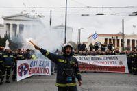 Grekland har under krisåren skakats av stundtals våldsamma protester och misstron mot det politiska systemet är utbrett. Arkivbild.