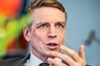 Finansmarknadsminister Per Bolund tycker det finns anledning att vara självkritisk när det gäller kampen mot penningtvätt.