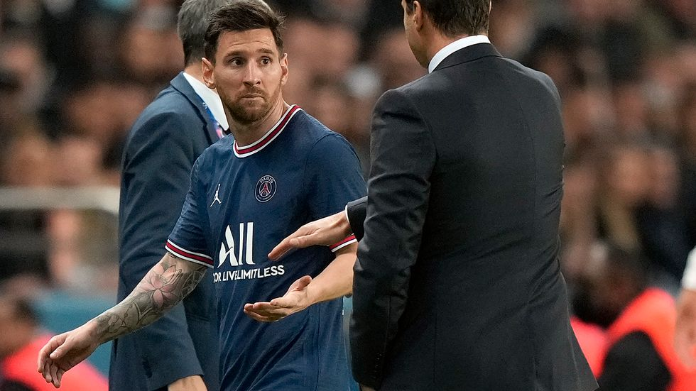 Lionel Messi byttes ut i mötet med Lyon.