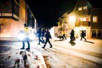 Stort polis- och räddningspådrag i Kongsberg efter händelsen.