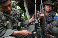 Farc-soldater 2010. Söndagens val kan spoliera president Santos dröm att gå till historien som Colombias fredsmäklare.