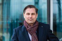 Klaus Zellmer, Volkswagens försäljningschef, har bland annat fått bra genomslag för de nya elbilarna ID3 och ID4 i Sverige.