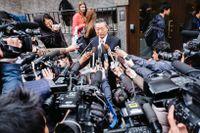Nordkoreas UD-talesman Song Il Ho slänger invektiv runtomkring sig. Här syns han i samband med förhandlingar i Stockholm 2014.