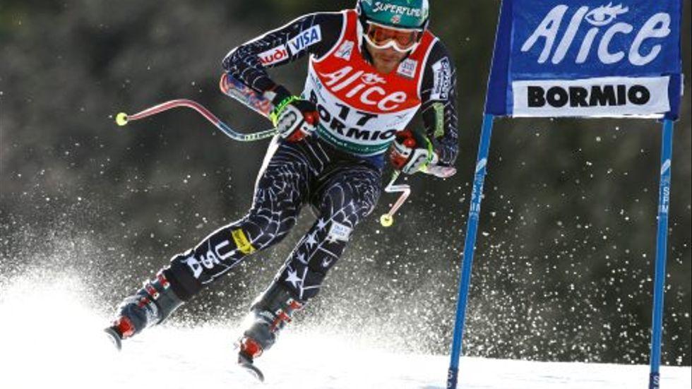 Bode Miller i super-G-tävlingen. Amerikanen har säkrat segern i totala världscupen.