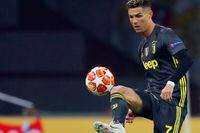 Cristiano Ronaldo och hans Juventus får vänta på ligatiteln. Arkivbild.