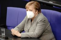 Eurozonens motor Tyskland, med förbundskansler Angela Merkel, riskerar en andra recession i coronakrisen till följd av nedstängningarna den 2 november. Arkivbild