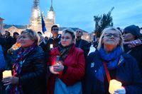 Demonstranter protesterar mot regeringens reformer i Warszawa. Arkivbild.