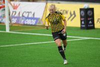 Stina Blackstenius gjorde tre av målen i Häckens storseger hemma mot Kristianstad.