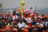 Anhängare till BJP vid ett av Narendra Modis kampanjmöten i Bangalore.