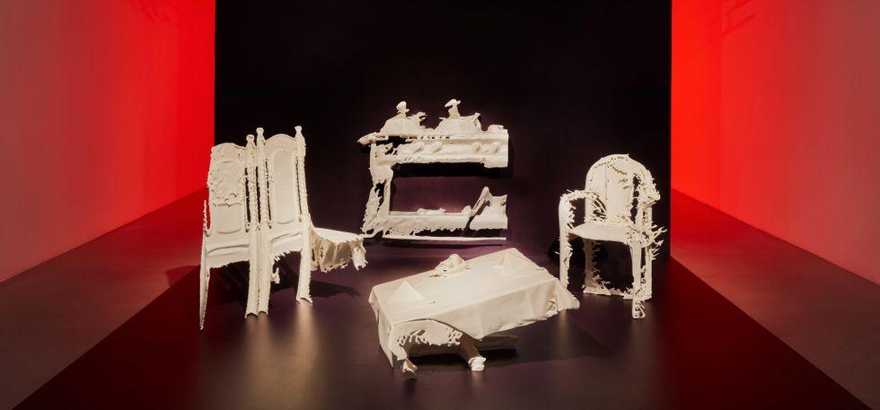 """Lap See Lam, """"Phantom banquet"""", installationsvy på Galerie Nordenhake."""