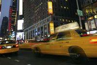 Taxibilar på Broadway, i närheten av korsningen mellan sjunde avenyn och 42:a gatan.