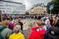 Den avspärrade platsen på Salutorget i Åbo där flera personer knivhöggs under fredagseftermiddagen.