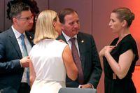 Statsminister Stefan Löfven tillsammans med Sloveniens premiärminister Marjan Sarec, EU:s utrikeschef Federica Mogherini och Danmarks nya statsminister Mette Frederiksen vid söndagskvällens EU-toppmöte i Bryssel.