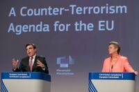 Margaritis Schinas, vice kommissionsordförande, och EU:s inrikeskommissionär Ylva Johansson.