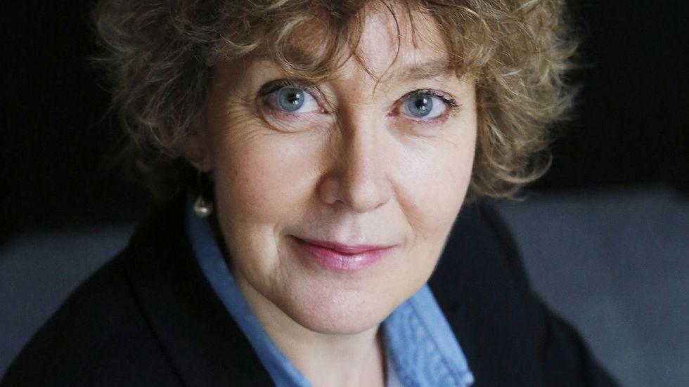 Den franska författaren Gaëlle Josse (född 1960,) har skrivit sex romaner, varav flertalet har prisbelönats.