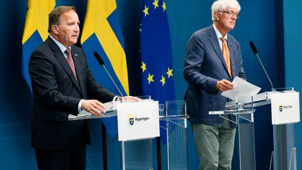 Folkhälsomyndighetens generaldirektör Johan Carlson talar under en digital pressträff om coronarestriktioner. Vid pressträffen medverkar även statsminister Stefan Löfven (S) och socialminister Lena Hallengren (S).