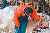 God morgon! Gizachew Ayka leder ett hjälparbete bland Addis Abebas 60 000 hemlösa.