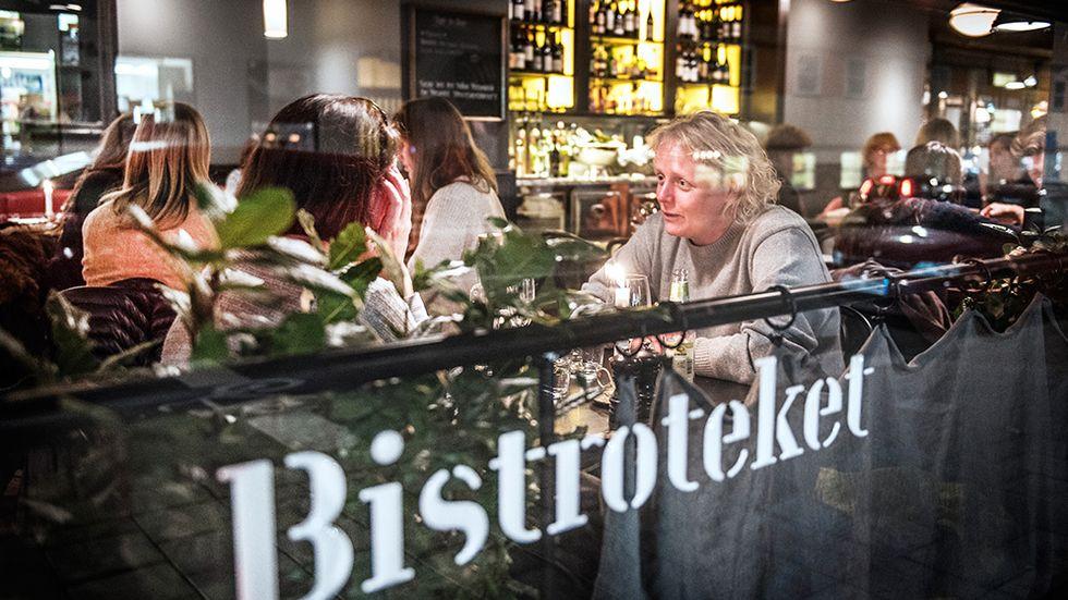 Bistroteket ligger i den hörnlokal som tidigare huserade restaurangen Sonjas grek.