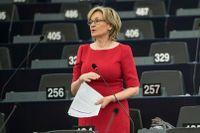Irländska Mairead McGuinness byter EU-parlamentet mot EU-kommissionen. Arkivfoto.
