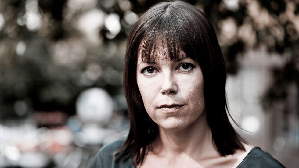 """""""Förtvivlade läsningar"""" är Elisabeth Hjorths doktorsavhandling i etik, framlagd vid Uppsala universitet."""