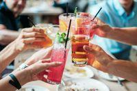 Forskare: Efter ett glas alkohol är du som snyggast