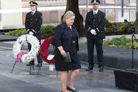 Erna Solberg under lördagens minnesstund.