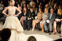 Kronprinsessan Victoria satt på första parkett när Fadi el Khoury-visning ägde rum på Berns i Stockholm på måndagen.