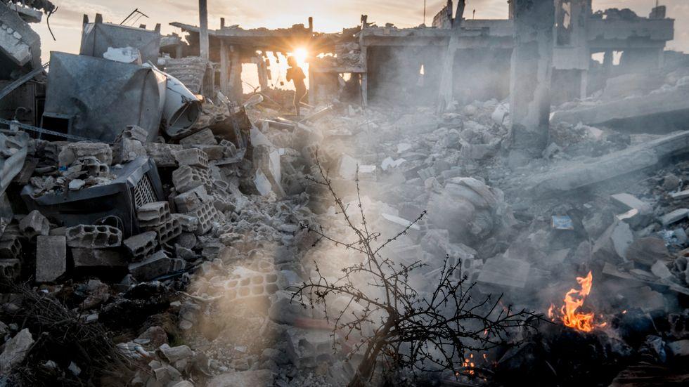 Den syrienkurdiska staden Kobane ligger i ruiner efter IS försök att inta den.